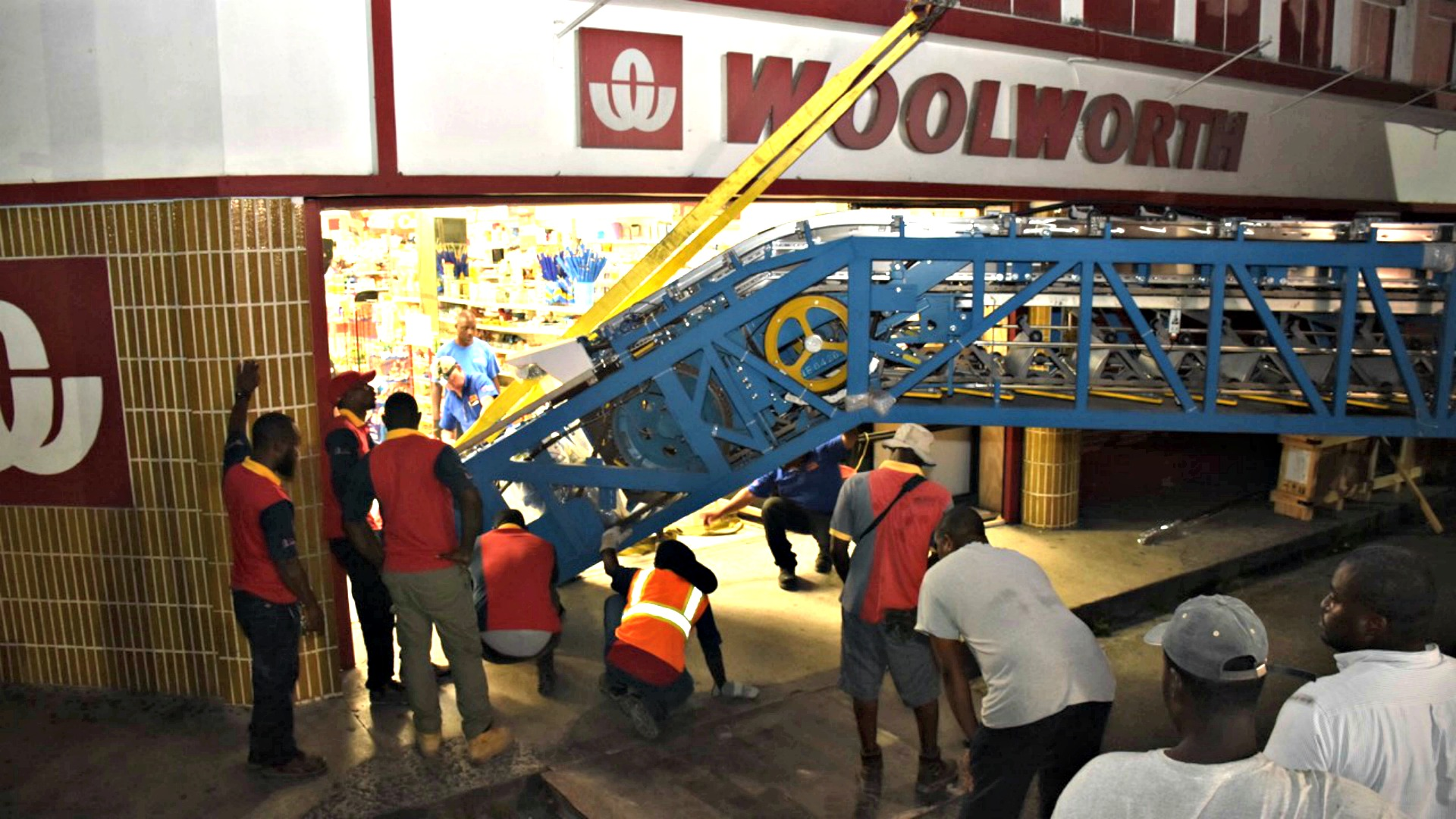 Woolworth enters a new era with change in escalator | Loop News