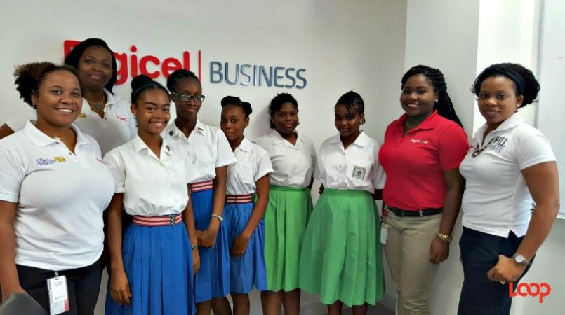 Digicel female engineers and the students after the fun-filled, educational day.