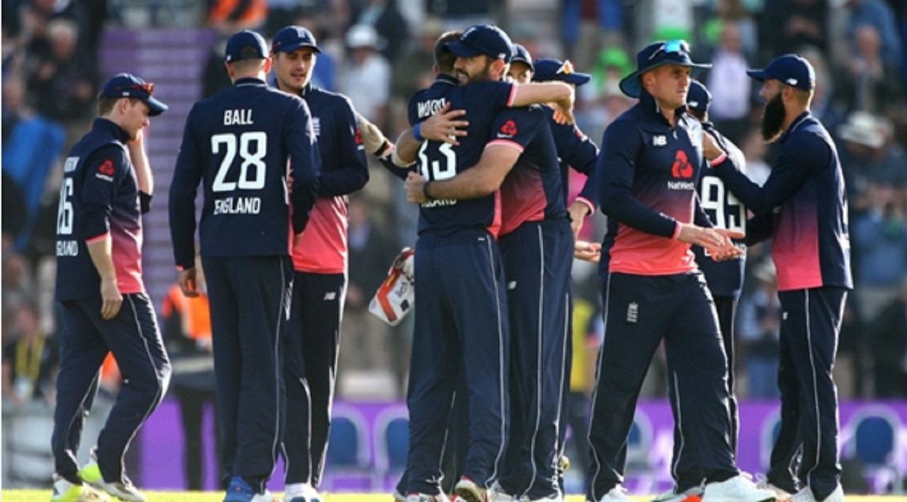 England celebrate victory over South Africa.