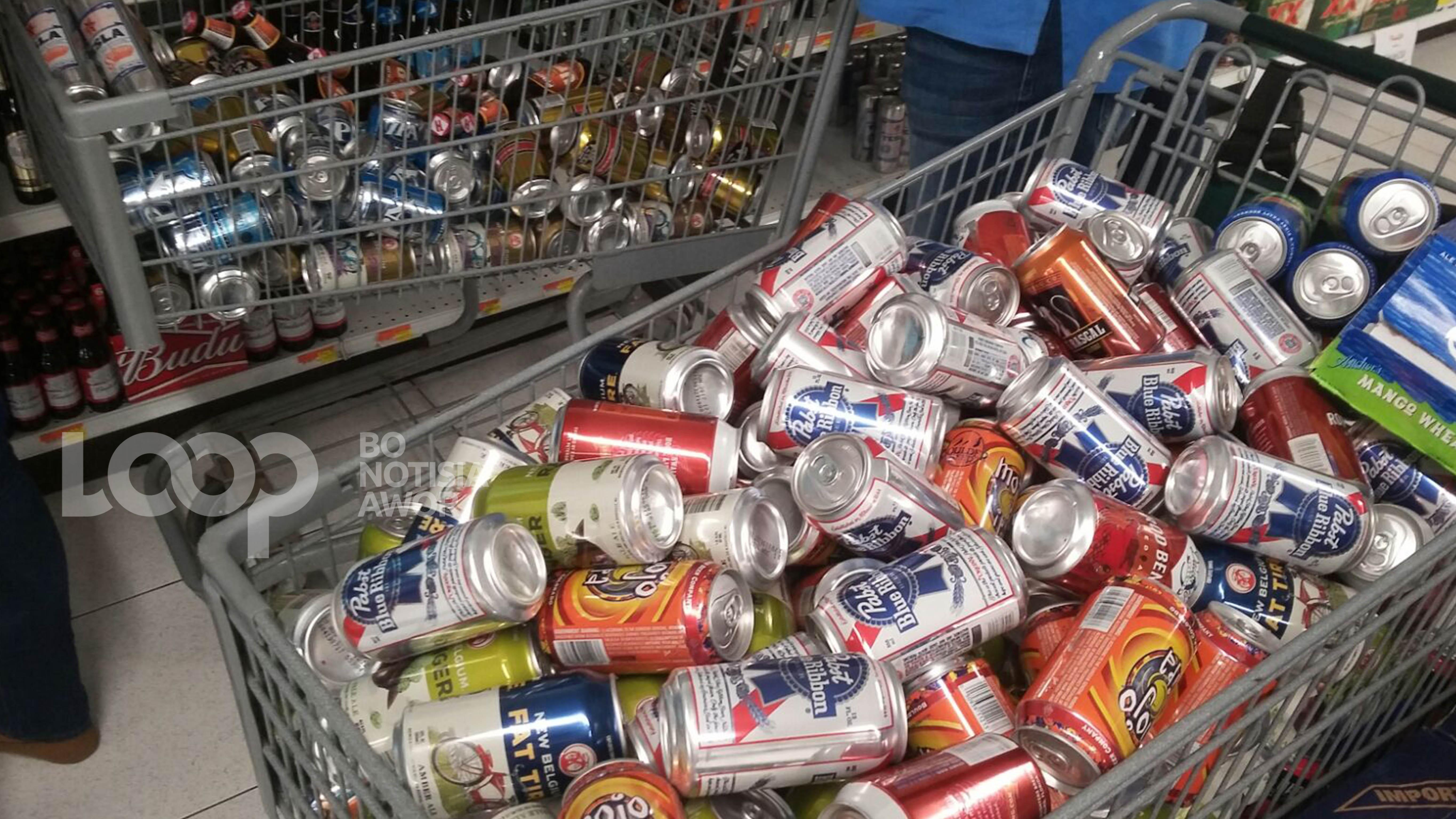 E Supermarket aki a haña un atvertensia. (Foto, file)