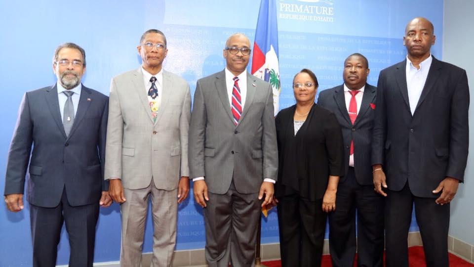 Le Premier ministre et les autres membres du Comité de prépositionnement pour la gestion d'éventuelles catastrophes sismiques dans le Nord  Crédit photo: Page Facebook Primature Haitienne