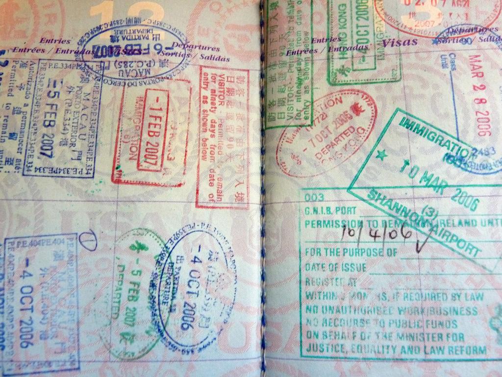 Vier van de uitgezette illegalen mogen pas na 5 jaar het land weer binnen. De meeste van de overige uitgezette vreemdelingen mogen na een jaar, 6 of 2 maanden terug naar Suriname als ze dat nodig vinden.