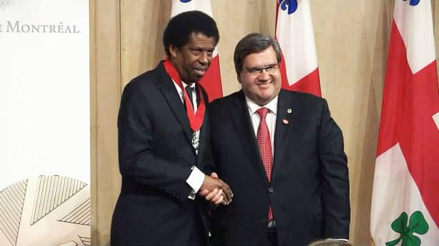Dany Laferrière et le maire de Montréal Denis Coderre Credit photo: Radio canada