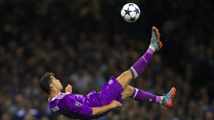 Real Madrid star Cristiano Ronaldo has won the Champions League top scorer award for 2016-17 after his crucial double saw off Juventus.