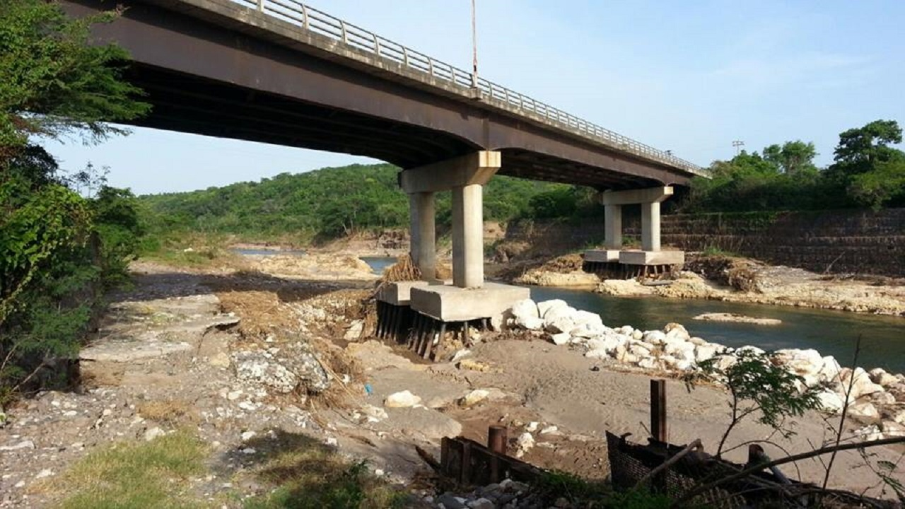 The NWA is advising motorists that it is still safe to use the Rio Minho and Pumpkin bridges.