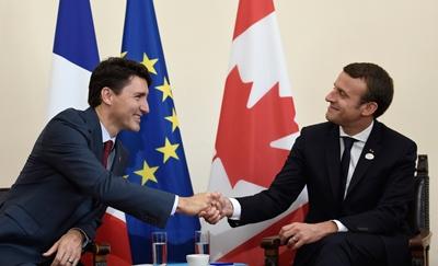 Justin Trudeau et Emmanuel Macron en lors du sommet du G7 à la Sicile, en Italie./Photo: Glamour