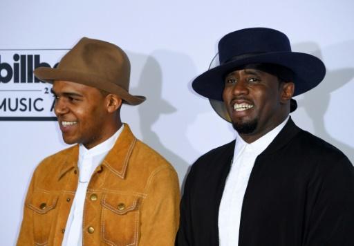 """Sean """"Diddy"""" Combs (d) et l'acteur Christopher Jordan Wallace (L) le 21 mai 2017 à Las Vegas"""