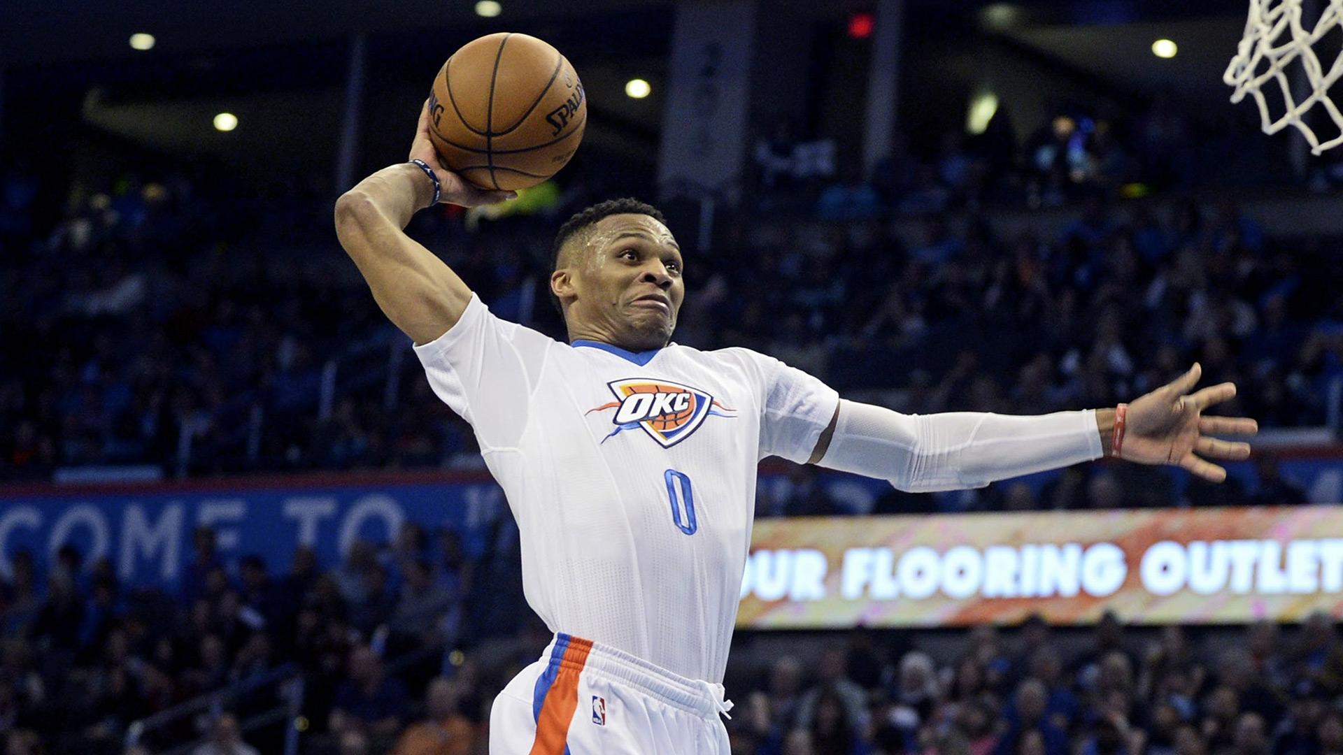 Russel had een recordaantal van 42 triple-doubles (tien of meer punten, rebounds en assists) na 81 wedstrijden.
