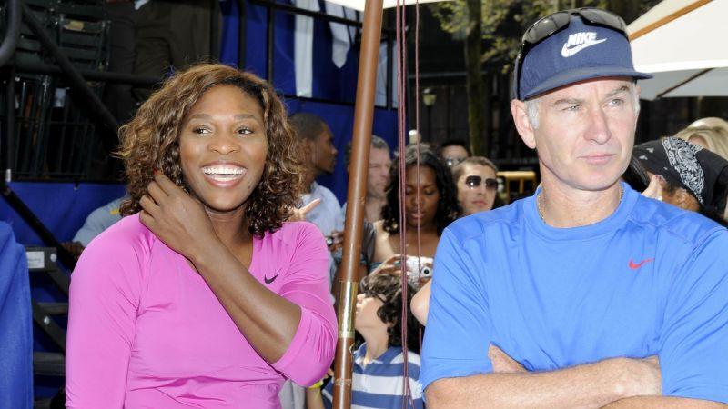 A gauche, Serena Williams et (à droite), JohnMcEnroe, l'ancien numéro mondial du tennis./Photo: GuettyImages