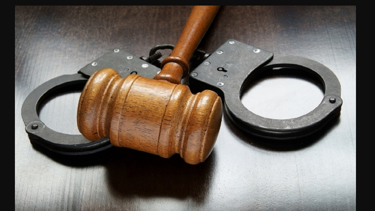 Senior St Andrew cop charged for corruption accused of accepting money to throw gun case