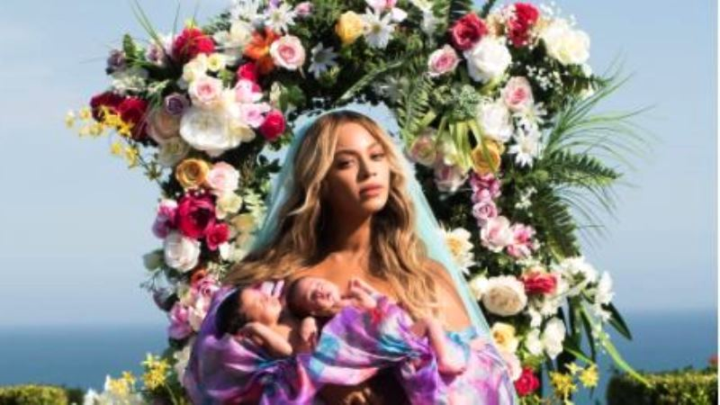 Beyonce has shared photos of her newborn twins in a new Instagram post.