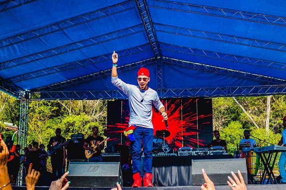 Le chanteur J-Perry. Crédit photo: Facebook J-Perry.