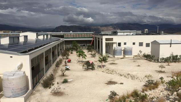 L'hopital La Providence construit loin du centre-ville des Gonaives, ce qui rend son accès difficile./Photo: Chang Hung Yuan