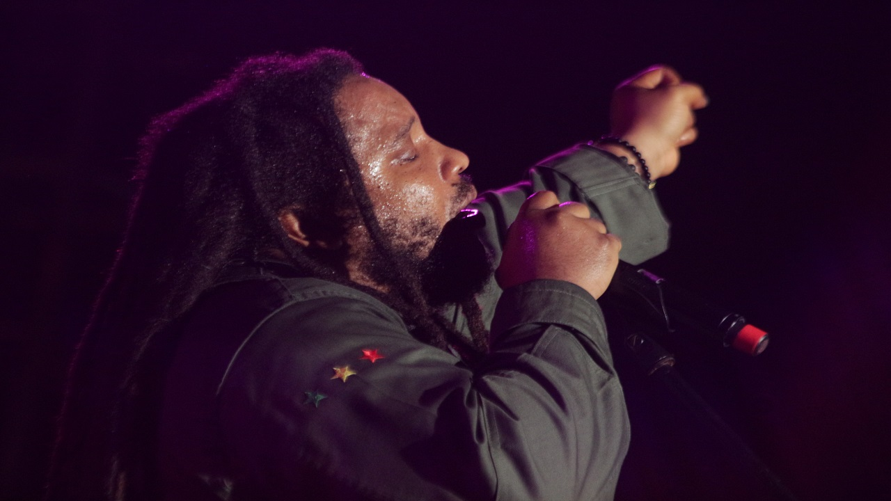 Stephen Marley performs at Reggae Sumfest on Sunday morning. (Photo: Marlon Reid)