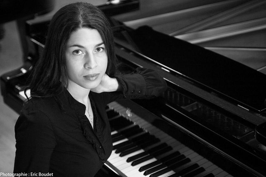 La pianiste classique Célimène Daudet, intiatrice du premier festival de musique classique qui aura lieu en Haiti du 8 au 15 novembre prochain./Photo: Bach Cantatas