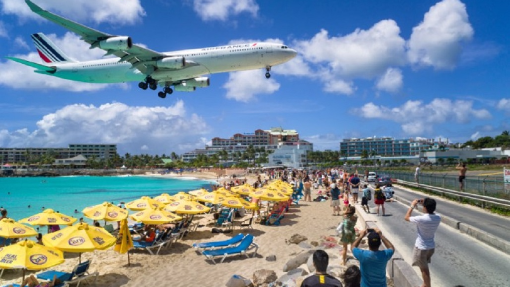 Tourist Killed on Maho Beach At St. Maarten By Jet Blast