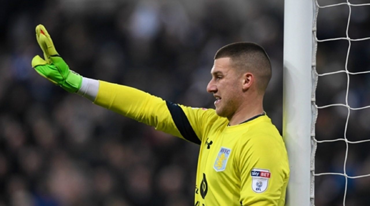 Manchester United goalkeeper Johnstone completes Aston Villa loan move