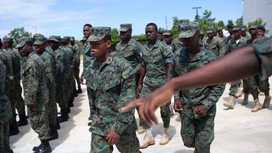 Des soldats du Corps du Génie Militaire.