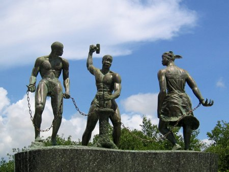 Monument in Curacao.