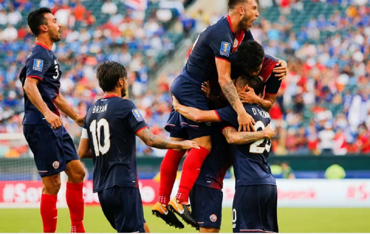 Own goal helps Costa Rica progress to Gold Cup semi-finals