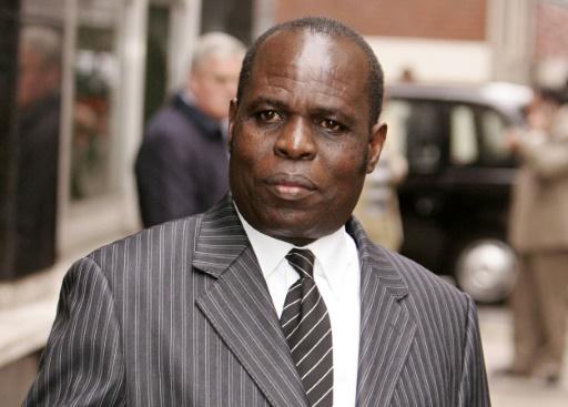 Le prédicateur kényan controversé Gilbert Deya se rend à un tribunal de Londres le 1er novembre 2007. Il a été extradé vers Nairobi le 4 août 2017 où il doit être inculpé du vol d'enfants qu'il affirmait nés grâce à ses seules prières.
