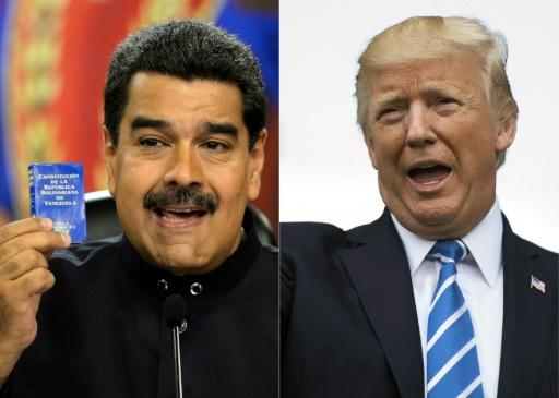 """Donald Trump (d) a évoqué une éventuelle option militaire au Venezuela, où le président Nicolas Maduro (g), mis au ban de la communauté internationale, avait promis la veille de répondre """"les armes à la main"""" à une agression américaine."""