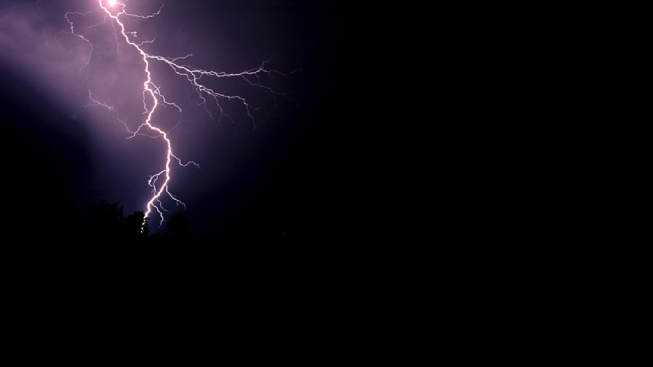 Ten persons struck by lightening while on Mystic Mountain tour