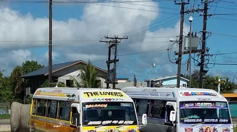 De twee buschauffeurs, Jerrel H. (36) en de 32-jarige Winston D., kregen ruzie om een vermoedelijke aanrijding.