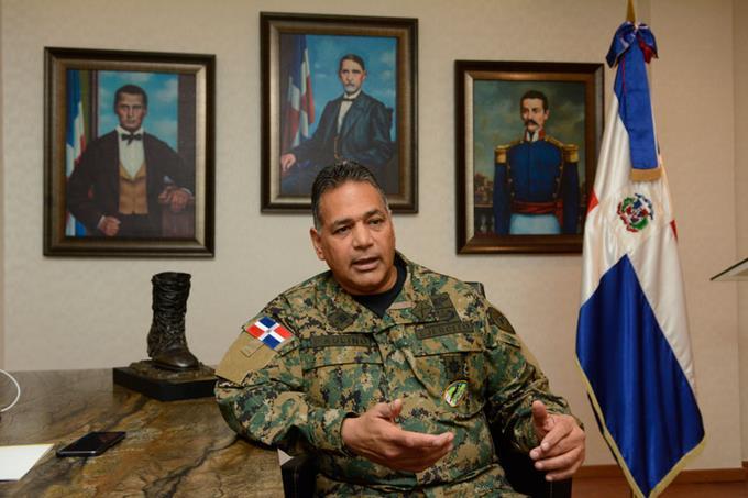 Le ministre dominicain de la Défense, le lieutenant-général Rubén Darío Paulino Sem. Crédit photo: Listin Diaro.