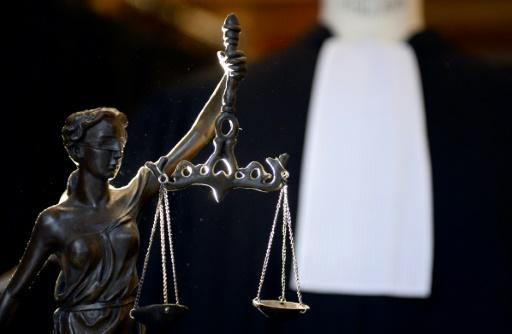 Après 21 ans de prison, un couple d'Américains, victimes d'une erreur judiciaire et condamnés à tort pour des agressions sexuelles sur des mineurs, devait recevoir 3,4 millions de dollars de dédommagements