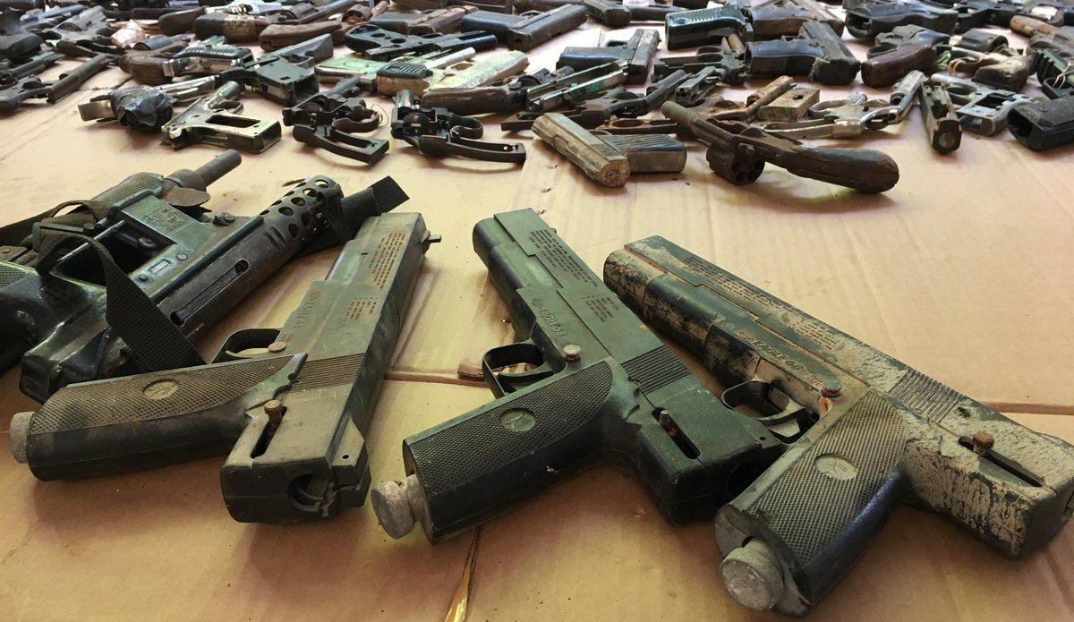 Armes illégales saisies par la PNH, juillet 2017. Photo : Fabienne Viltus - UN/MINUSTAH