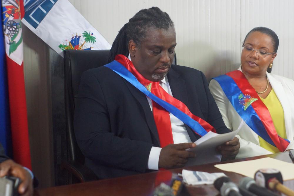 Le maire titulaire de Port-au-Prince, Youri Chevry, et la mairesse accesseur Kettyna Bellabe.