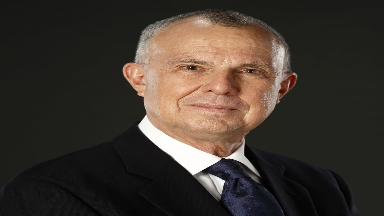 Robert Bermudez, a national of Trinidad and Tobago, has enjoyed a distinguished career in business, spanning more than 40 years, during which he established a regional and international standing that is well acknowledged.