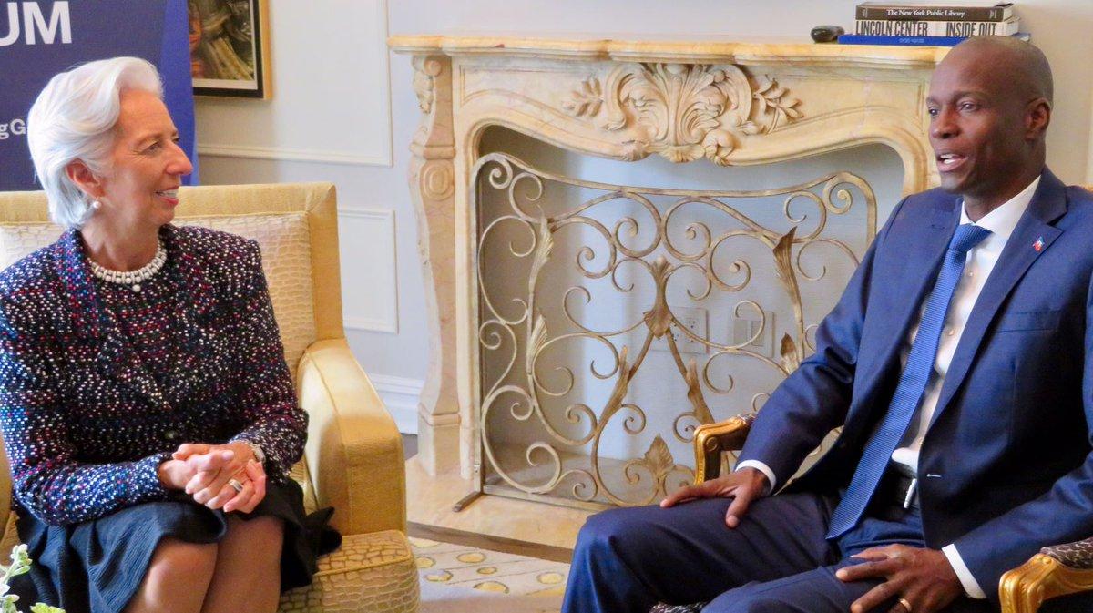 Christine Lagarde discute avec Jovenel Moise./Photo: Capture d'écran du compte tweeter de Christine Lagarde.