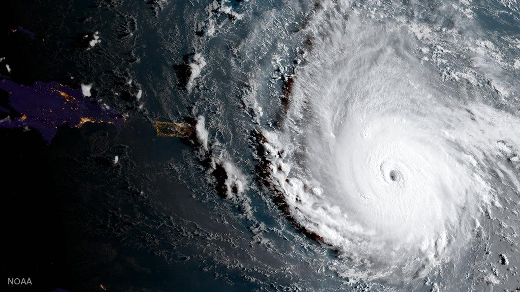 Maria bevindt zich nu ongeveer 225 kilometer ten oostnoordoosten van Barbados en trekt in westnoordwestelijke richting.