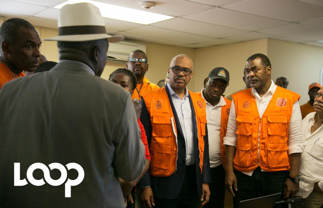Le premier ministre Jack Guy Lafontant et des membres du gouvernement lors d'une conférence de presse au COUN ce mercredi 8 septembre.