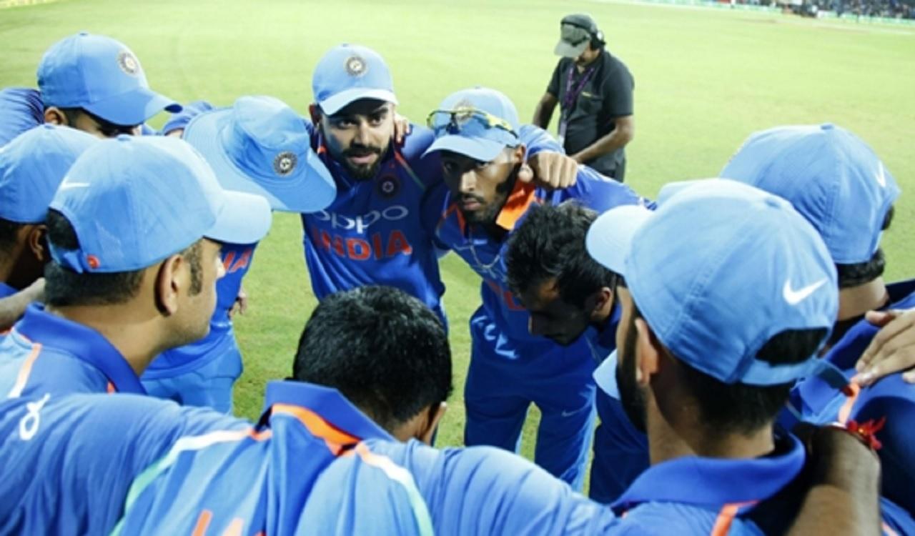 Virat Kohli with his India team.