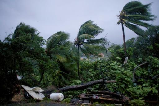 Les vents violents lors du passage de l'ouragan Maria en Guadeloupe à Petit-Bourg le 19 septembre 2017