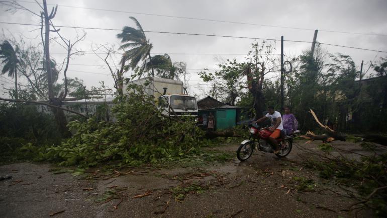 Cette image a été prise après le passage  du cyclone Matthew à Les Cayes (Haïti), par l'agence Reuters.