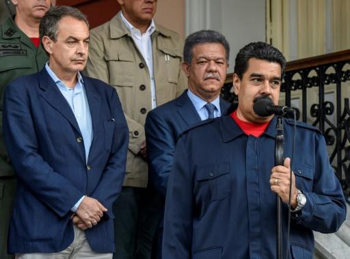 Venezuela: Le Drian évoque une reprise du dialogue entre gouvernement et opposition
