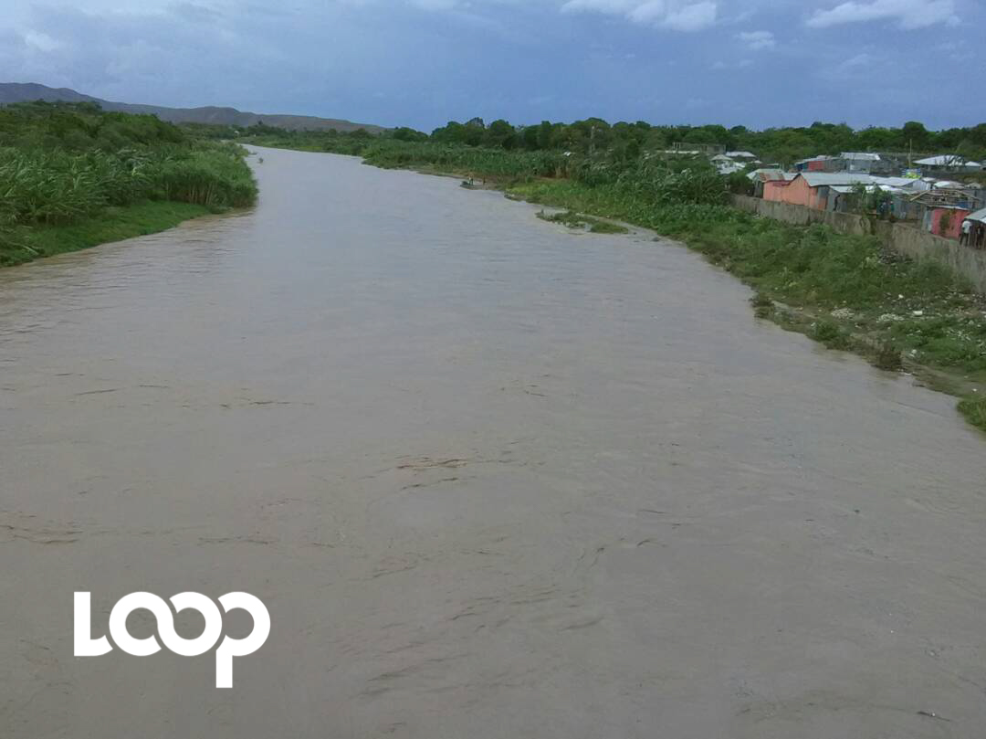 Emmanuel Macron est arrivé aux Antilles — Irma