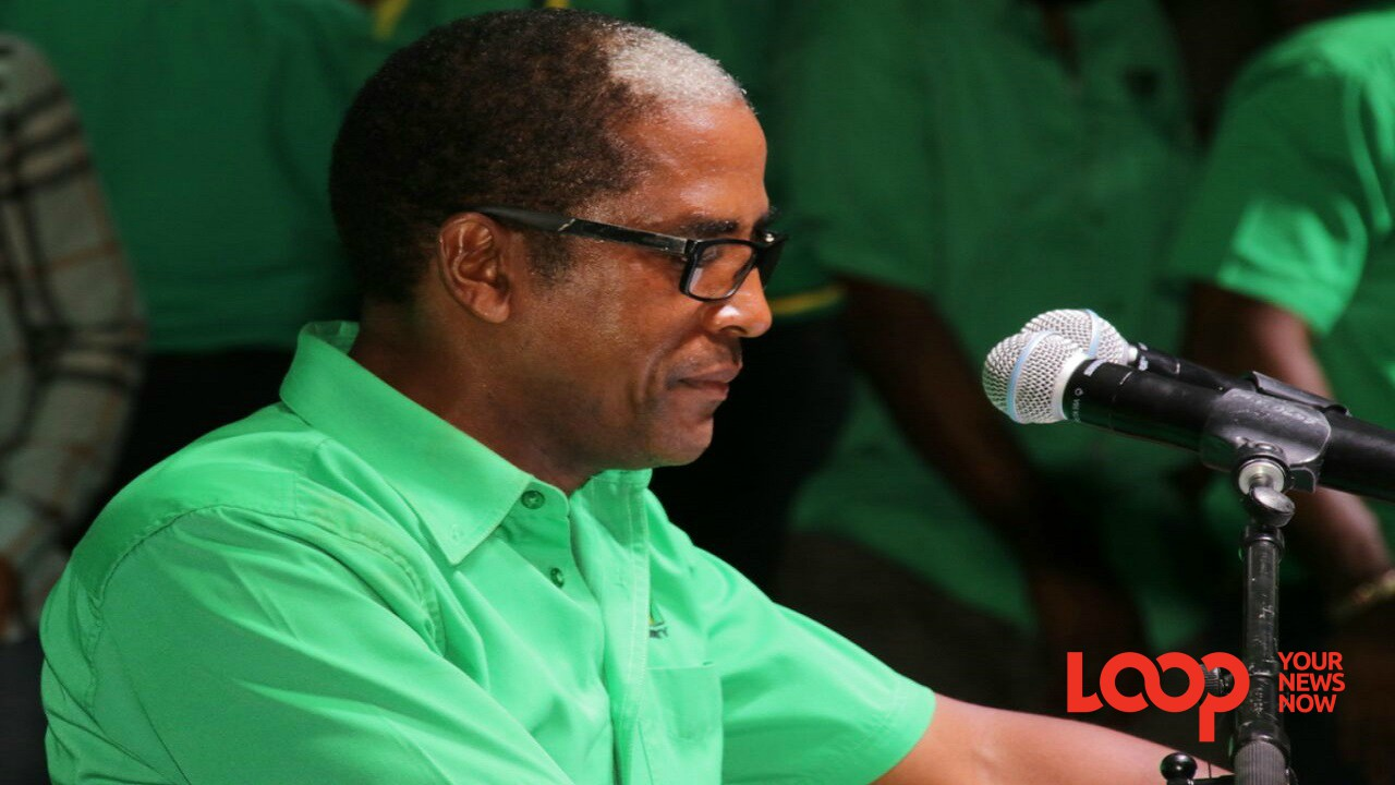 Dr Norman Dunn addressing Labourites on Sunday in Annotto Bay. (Photo: Llewellyn Wynter)