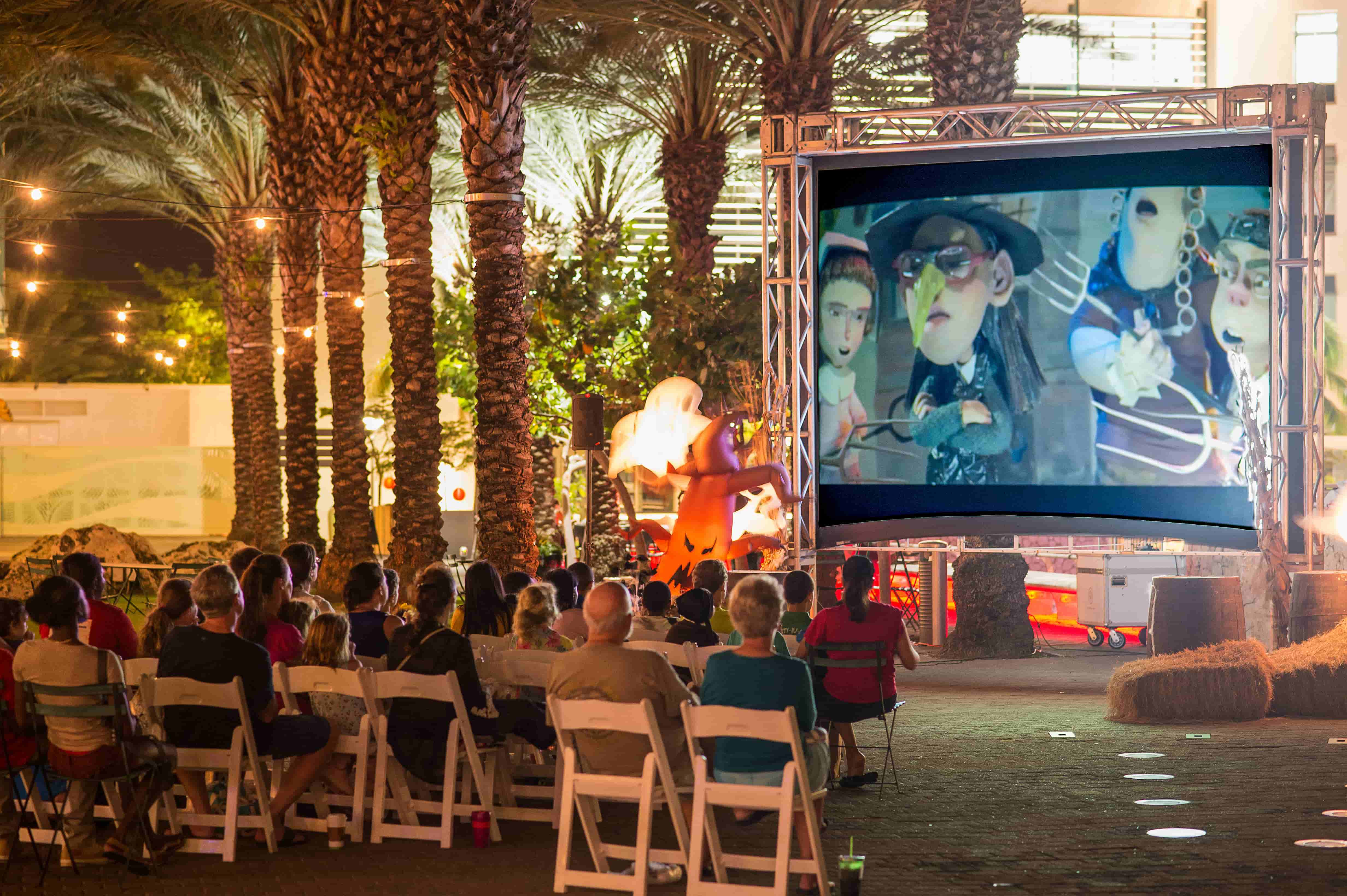 Enjoy a special Moonlight & Movies on Halloween night with Halloween on the Big Screen. Settle in for a showing of Hocus Pocus and enjoy food and drink from the restaurants of Camana Bay.