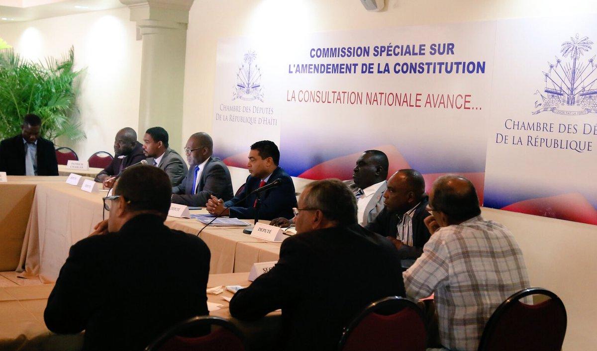 Séance de consultations discussions entre des secteurs de la vie nationale et la commission spéciale à la chambre des députés pour l'amendement de la Constitution. Crédit photo: Twitter Jerry Tardieu.