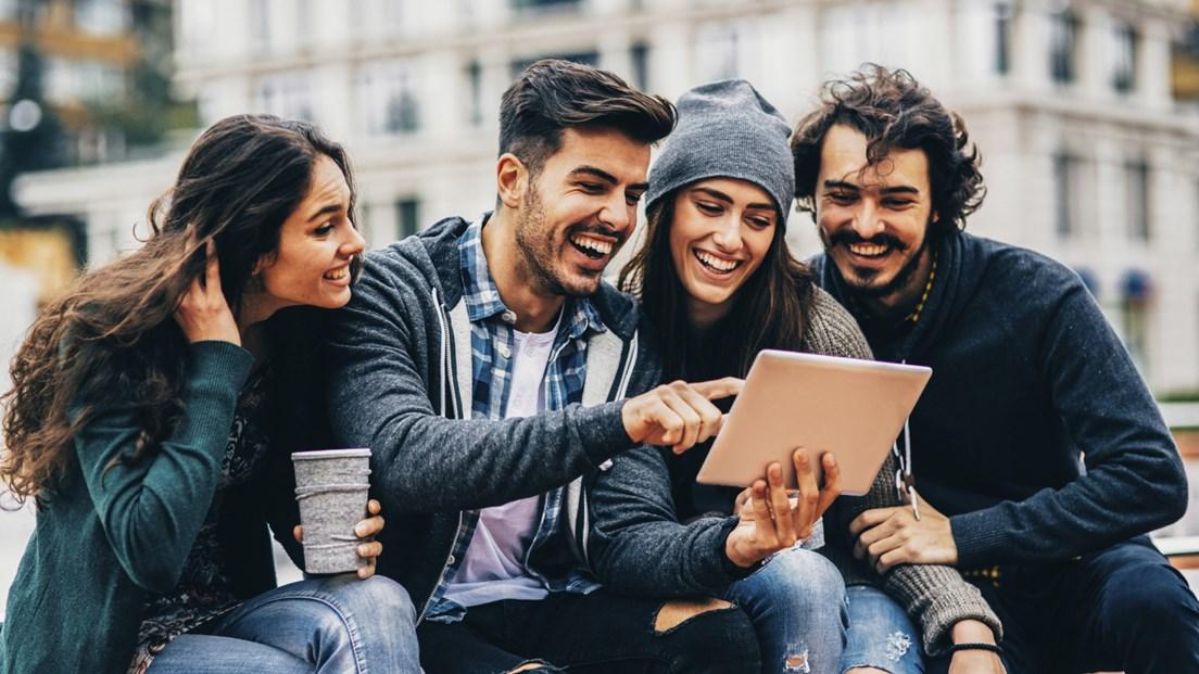 Millennials zijn geboren tussen 1980 en 2000, en zijn opgegroeid in het digitale tijdperk. ( Foto: Flickr/State Farm