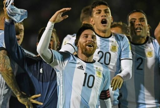AFP / Juan Ruiz Lionel Messi fête la victoire de son équipe contre l'Equateur, le 10 octobre 2017 à Quito