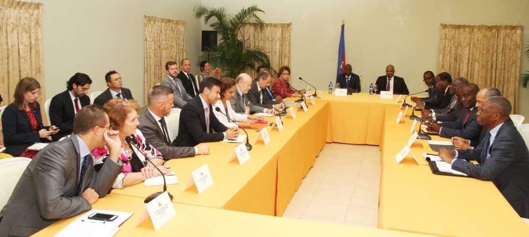 Le président Jovenel Moïse et les membres du Core Group en réunion au Palais national. Crédit photo : Twitter Jovenel Moïse.