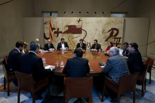La Catalogne retient son souffle avant le discours de Puigdemont — Espagne
