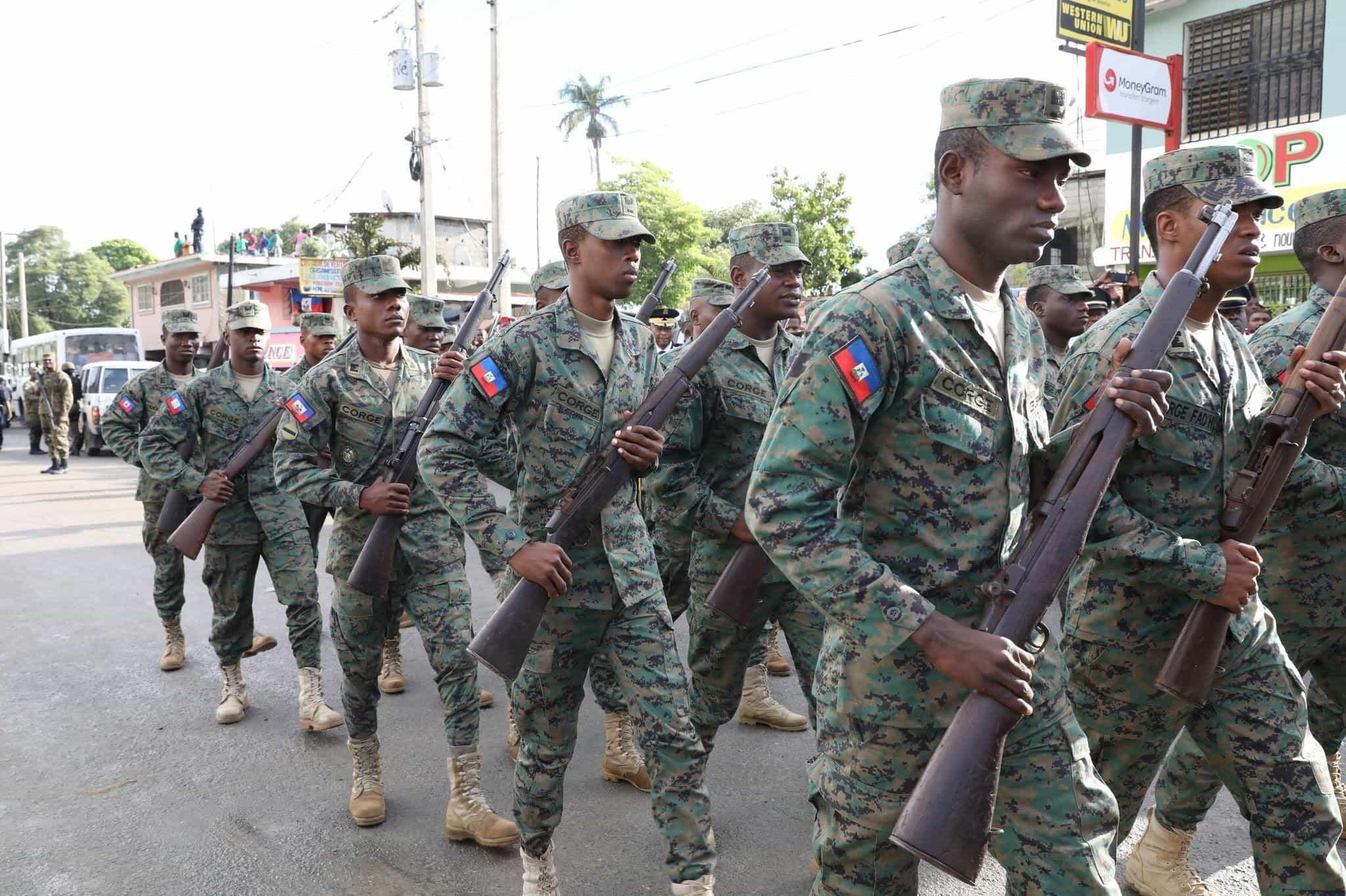 Relancement de l'armée d'Haiti : les photos de l'événement. Les photos sont de Benjy Oricia et de Nelson Deshommes