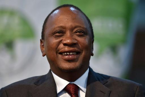 AFP/Archives / TONY KARUMBA  Le président kenyan Uhuru Kenyatta lors d'une réuion publique à Nairobi le 30 octobre 2017